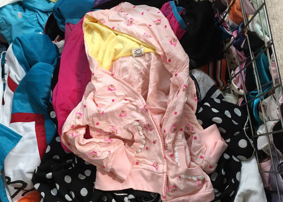 Mixed Size Used Children'S Clothing / Sorted Second Hand Clothes For Winter